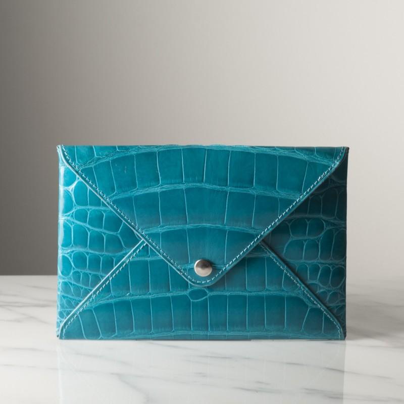 enveloppe-mm-bleu-turquoise-brillant-crocodile.jpg
