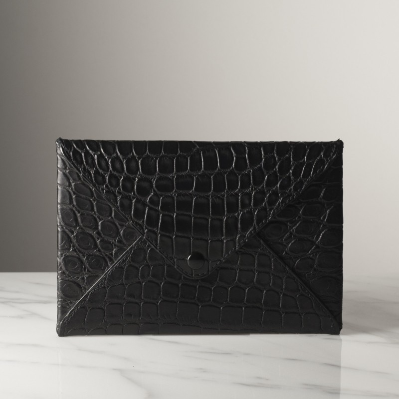 enveloppe-mm-noir-mat-crocodile.jpg